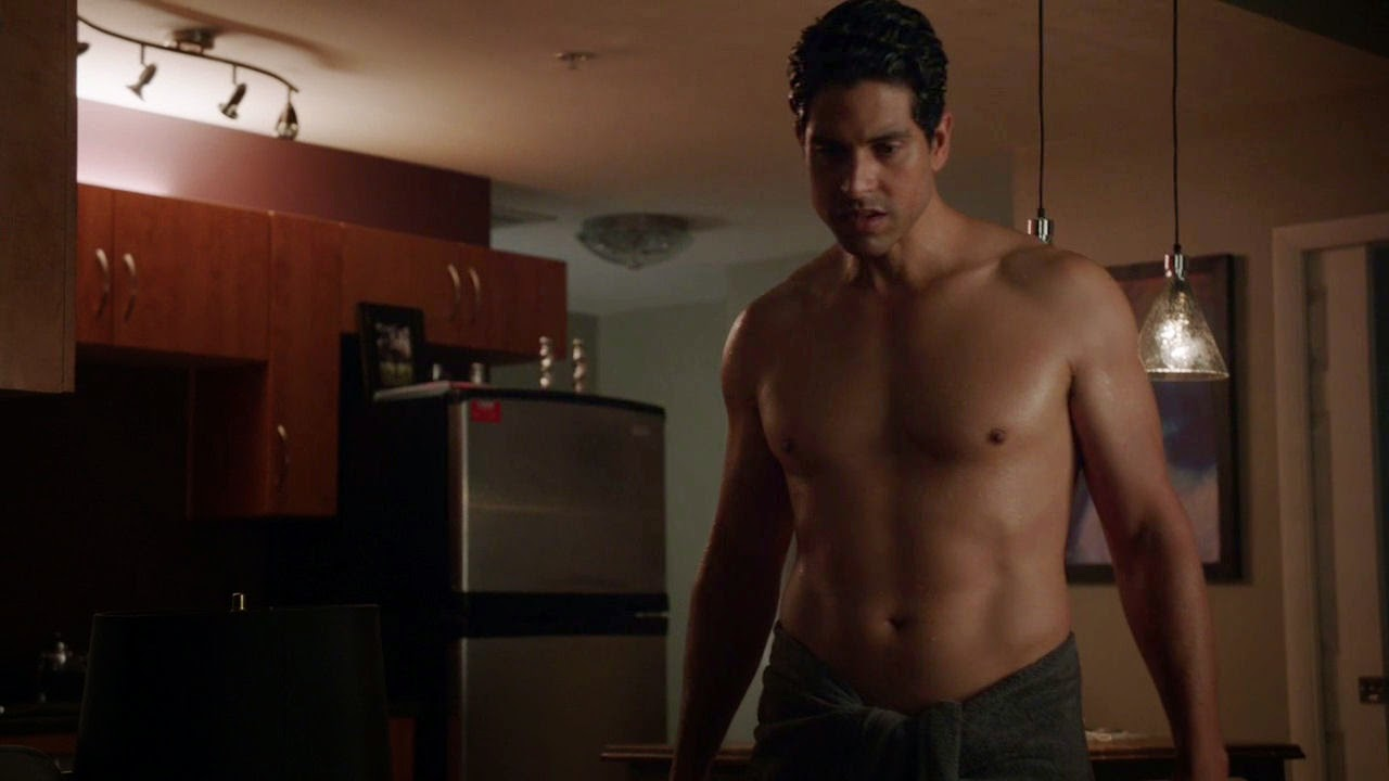 'Magic Mike' star Adam Rodriguez likes covering his naked ...